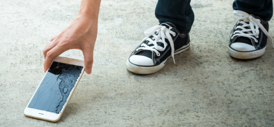 Faire réparer son smartphone, c'est possible et facile chez MONTRE SERVICE !